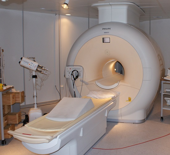 Аппарат МРТ закрытого типа