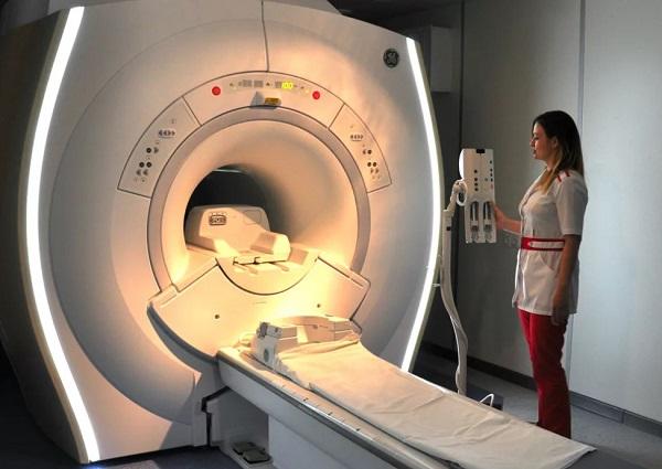 Раздеваются ли на МРТ